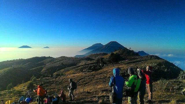 foto bukit teletubis gunung prau