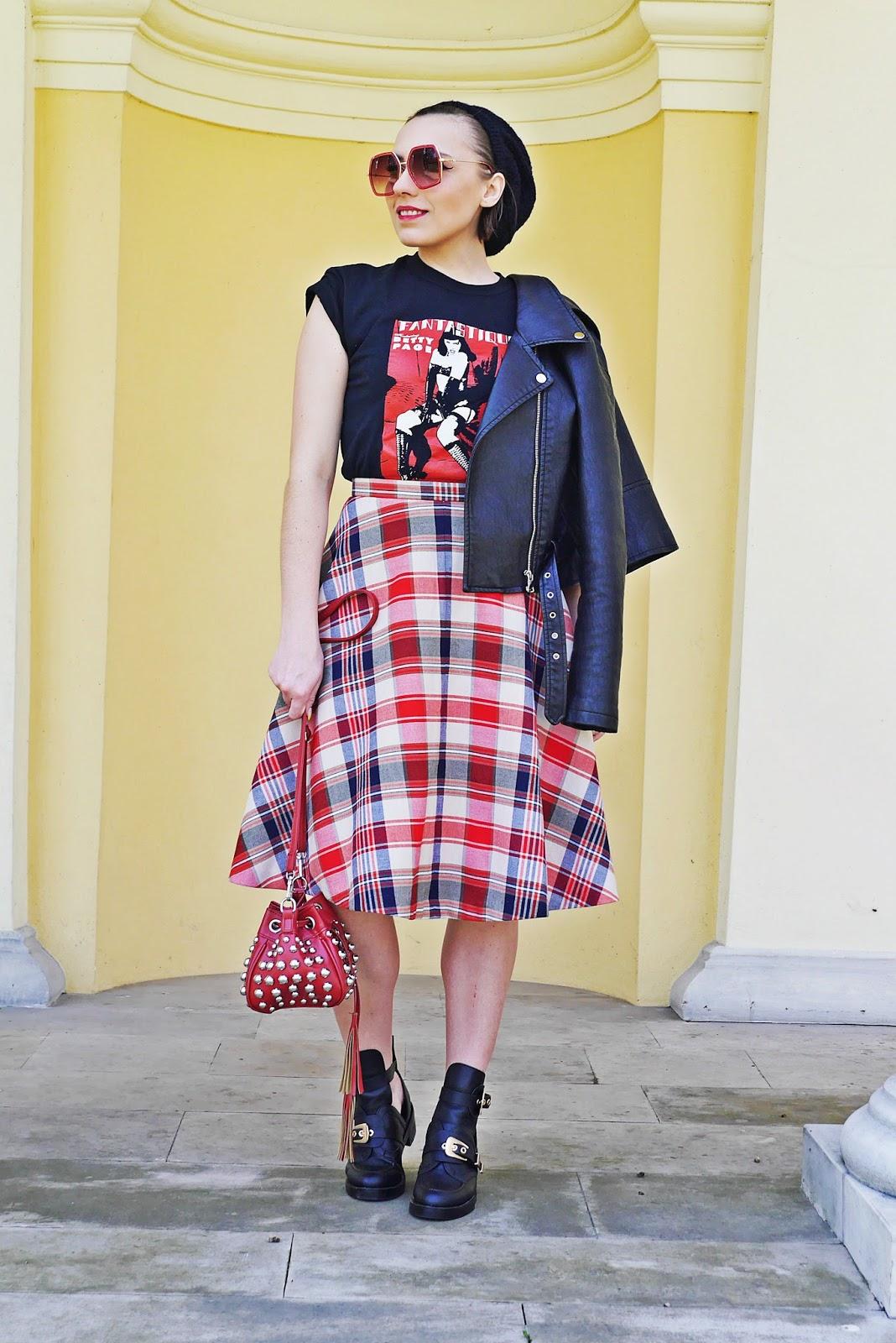 buty renee spódnica w kratę ramoneska skórzana beret karyn blog modowy