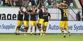 Borussia Dortmund beat Wolfsburg 3-0 in the Bundesliga