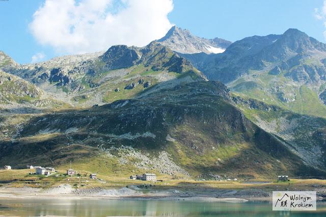 Jezioro montespluga Włochy Alpy