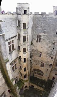 Torrecilla poligonal (escalera) del Castillo de Tarascón.
