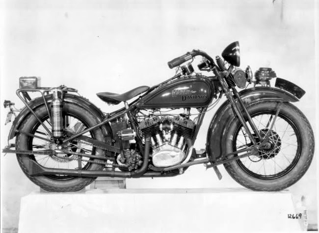 vintage police motorcycle pictures  The Evolution of Harley-Davidson Police Motorcycles During the ...