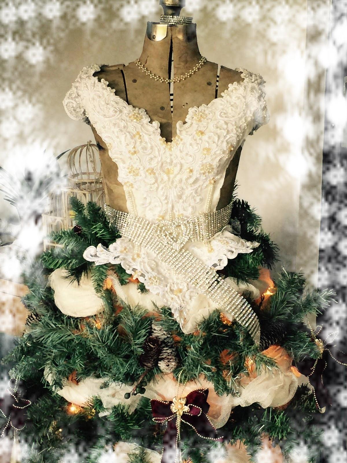 Natasha'ScrapbooKorner: DIY Christmas Tree Dress Form and ...