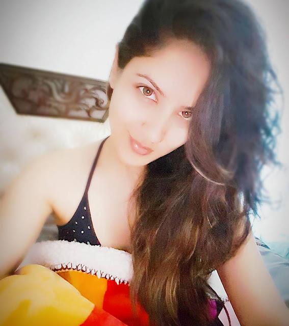 Pooja Banerjee Instagram