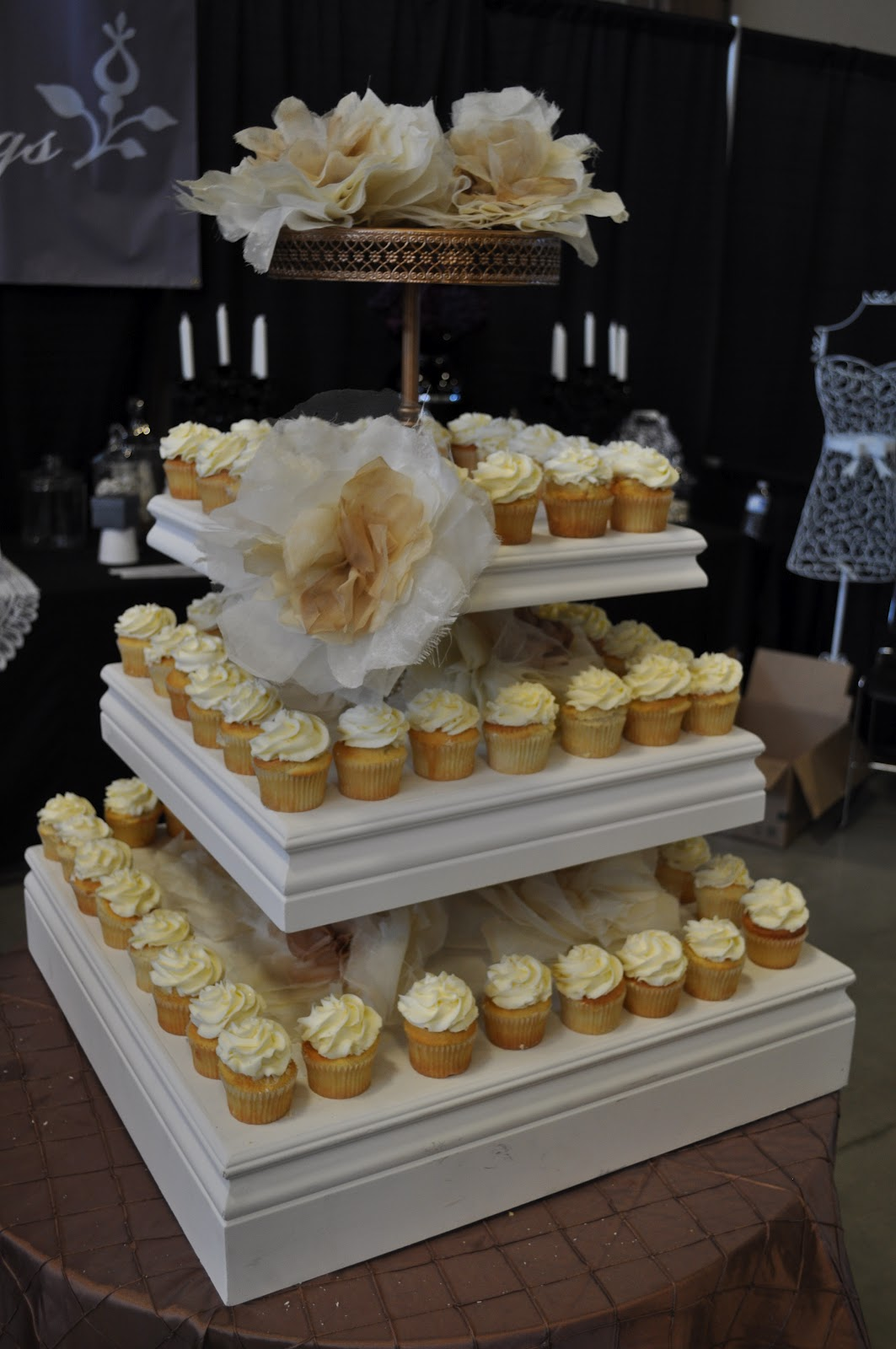 unique wedding cake stand ideas unique cupcake stands 5 tiers large acrylic wedding 21466