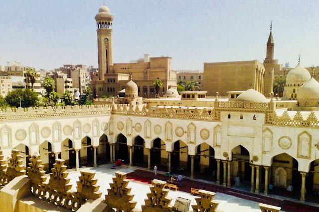 EKSISTENSI UNIVERSITAS AL-AZHAR CAIRO DENGAN METODE KLASIKNYA