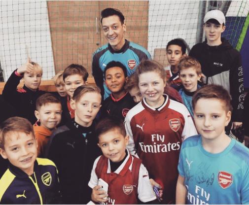 Rayakan Natal, Arsenal Undang 150 Anak untuk Ikut Latihan
