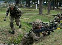 Οι ΗΠΑ να μη στείλουν όπλα στην Ουκρανία