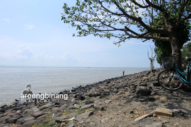 pantai nambangan surabaya