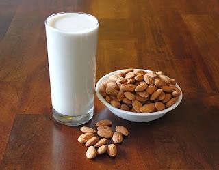 Manfaat Kandungan Nutrisi Susu Almond Bagi Kesehatan Tubuh
