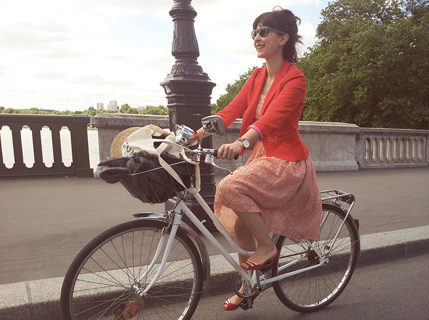 Paris, Where the Boss Pays You to Go By Bike