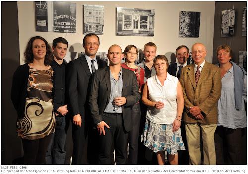 Gruppenbild der Verantwortlichen für die Ausstellung NAMUR À L'HEURE ALLEMANDE : 1914 – 1918 in der Universitätsbibliothek Namur 09.09.2010