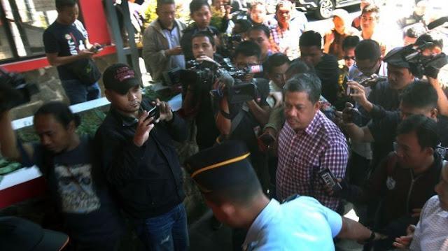 Kunjungi Lapas Sukamiskin, Fahri Hamzah Bertemu Setya Novanto, Apa yang Mereka Perbincangkan?
