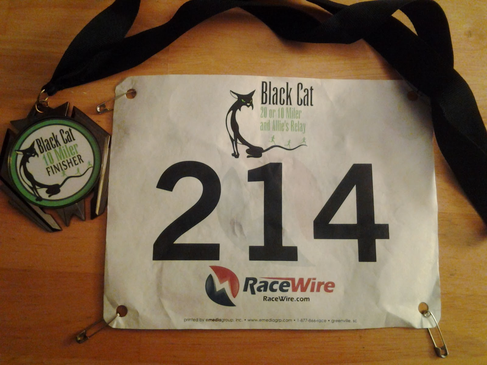 Black Cat 10 Mile - Medal and Number 2014