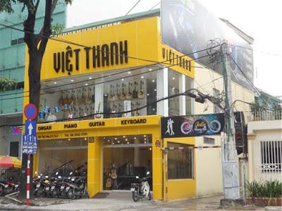 Cửa hàng bán dùi đánh trống, ghế trống ở Tphcm