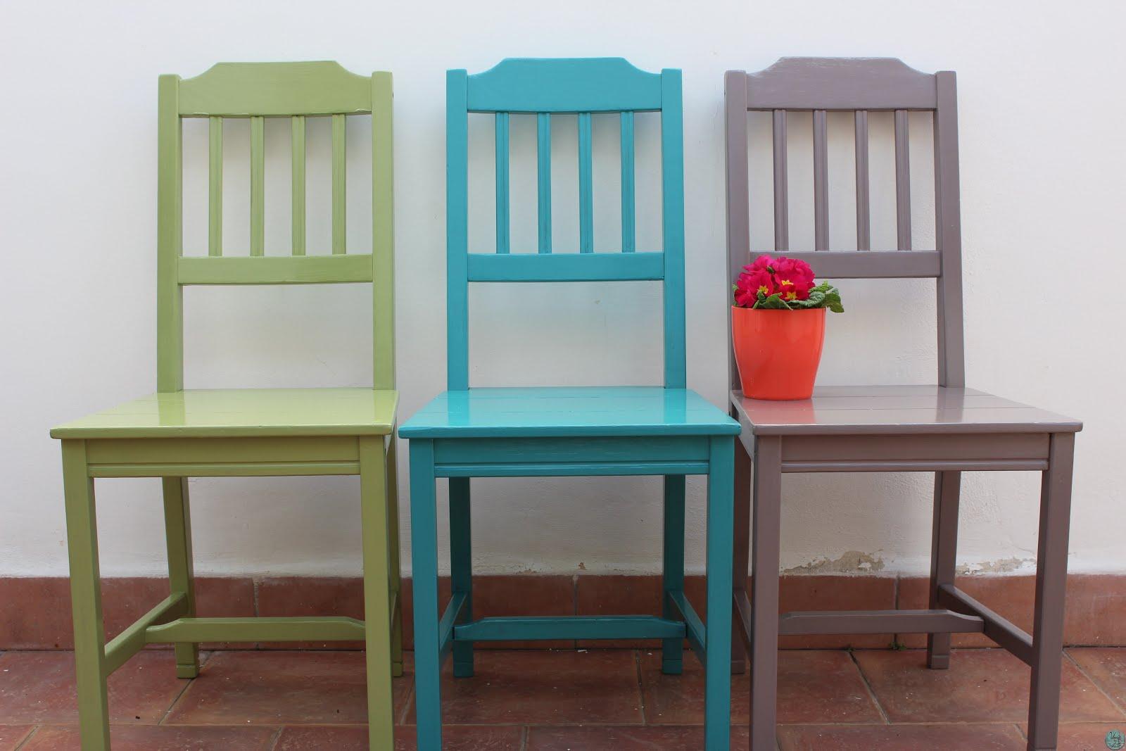 Rinnovare delle vecchie sedie usati e rifatti for Sedie legno colorate