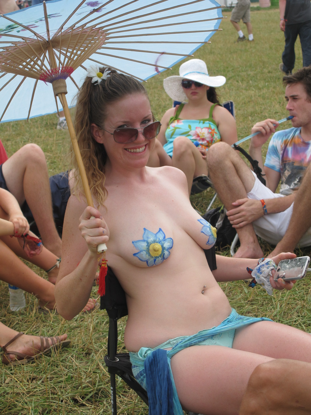Topless girls scotland 13