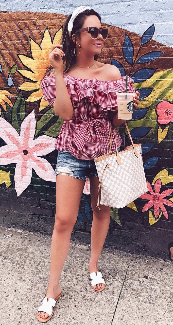 stylish look | plaid ruffle top + bag + denim shorts + slides