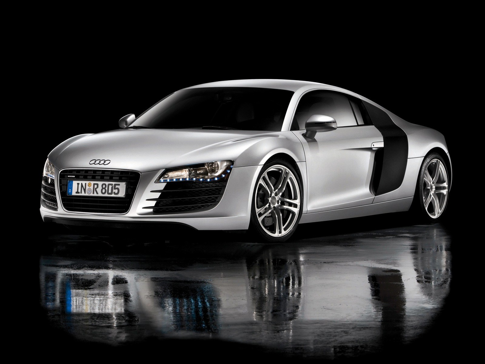 2014 audi rs8 first looks photos prices information wallpapers. Black Bedroom Furniture Sets. Home Design Ideas