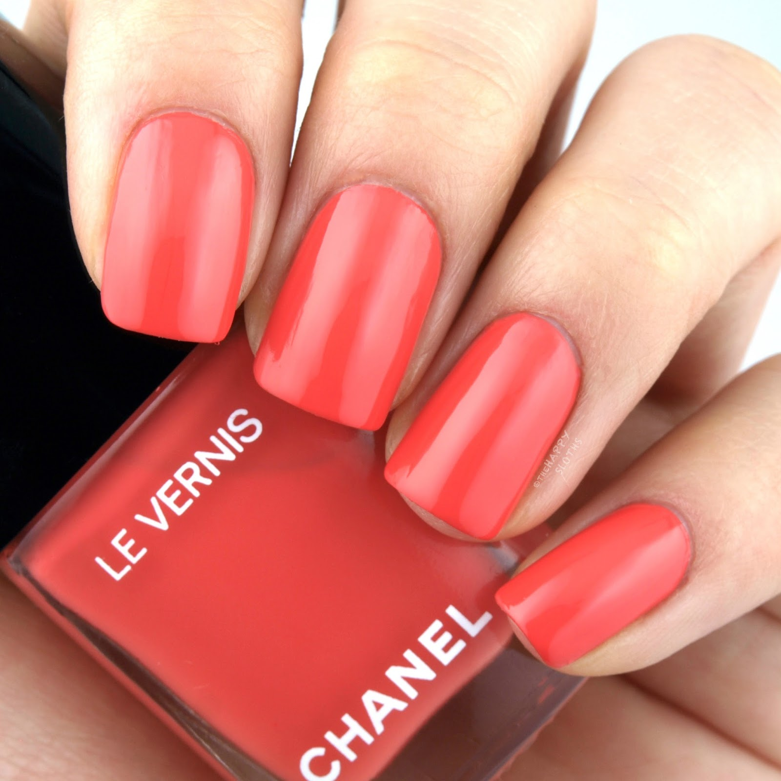 "Chanel Summer 2017 Cruise Collection Le Vernis in ""562 Coralium"": Review and Swatches"