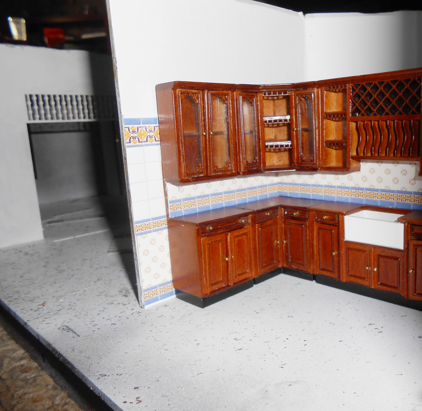 Honey, I Shrunk The House!: Bespaq Kitchen Update