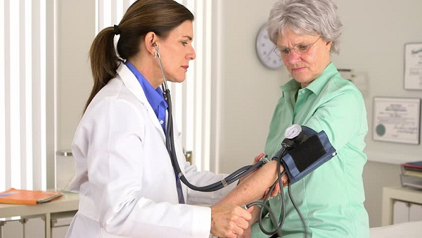 6 Cara Menurunkan Tekanan Darah Tinggi yang Cepat dan Efektif