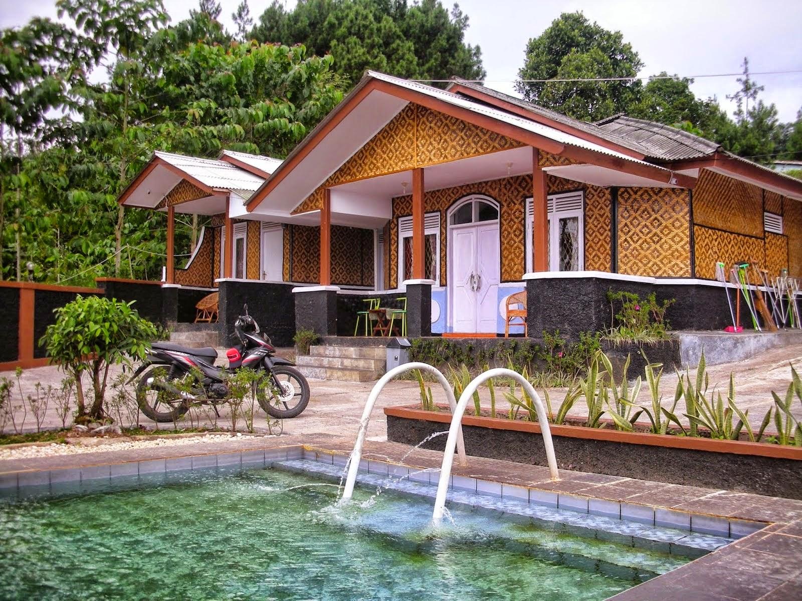villa ciater dengan kolam renang keluarga