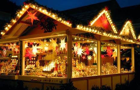Feria de Navidad, puesto de Navidad, puesto en la feria de Navidad