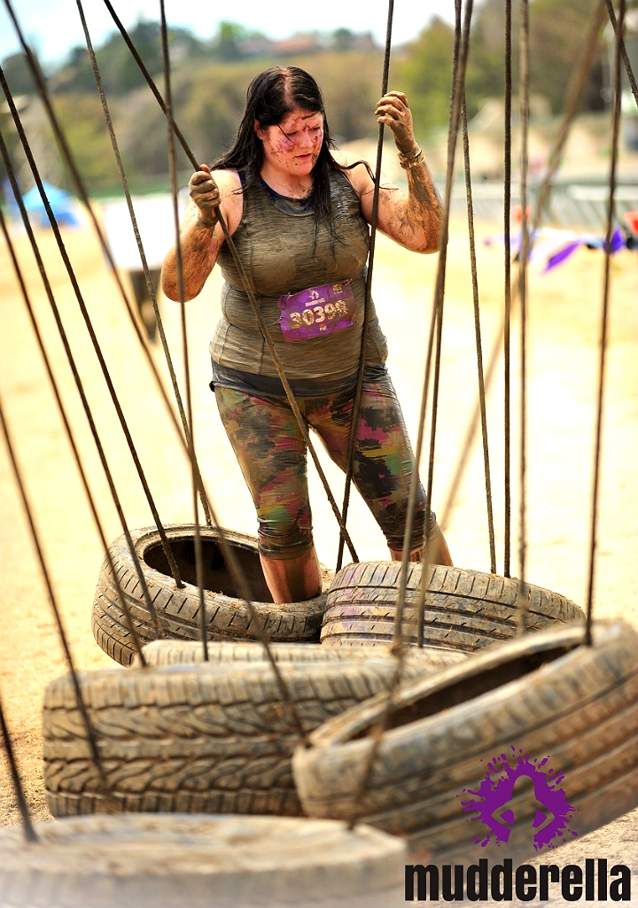 Mudderella tire obstacle 2015