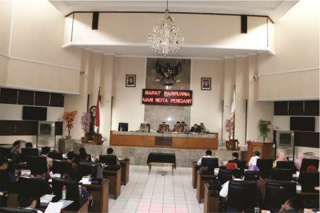 Rapat Paripurna Pandangan Umum Fraksi Terhadap Nota Pengantar KUA PPAS Perubahan TA 2016