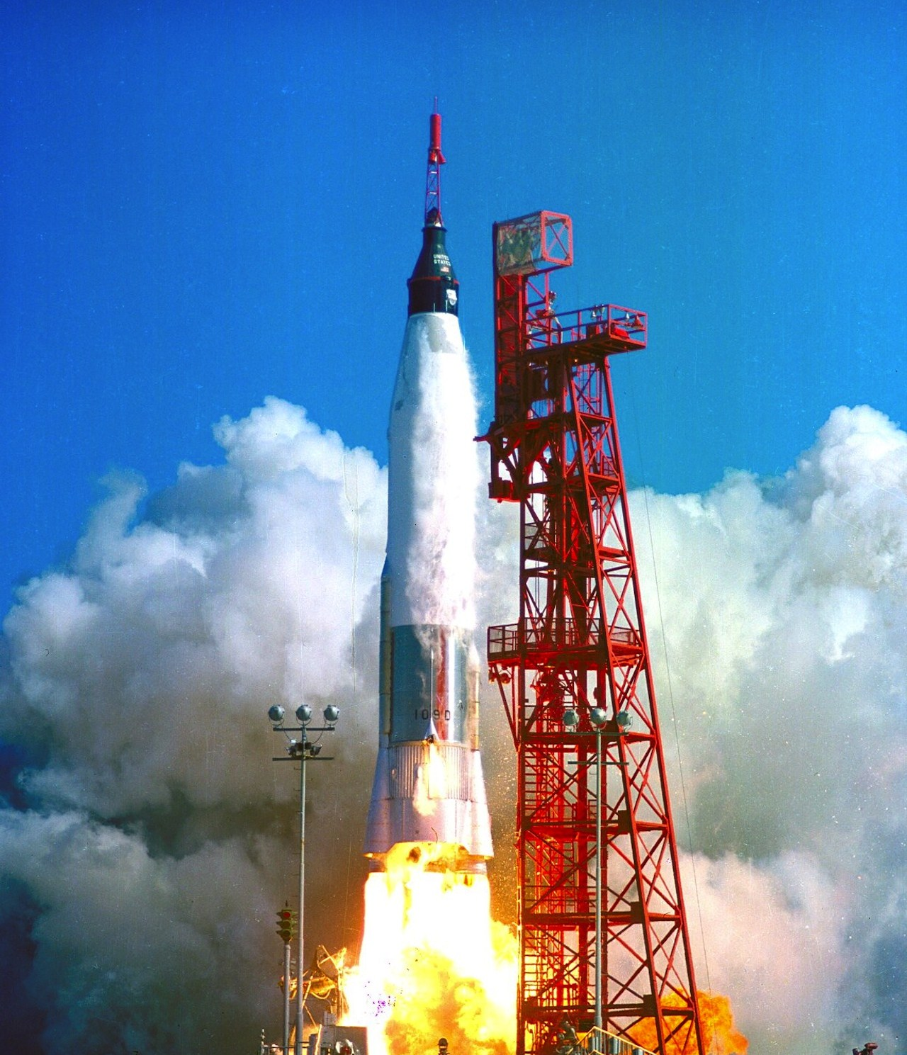 rocket launching into space - photo #23