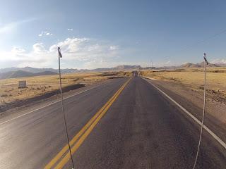 Sempre grandes retas em direção a Cusco / Peru.