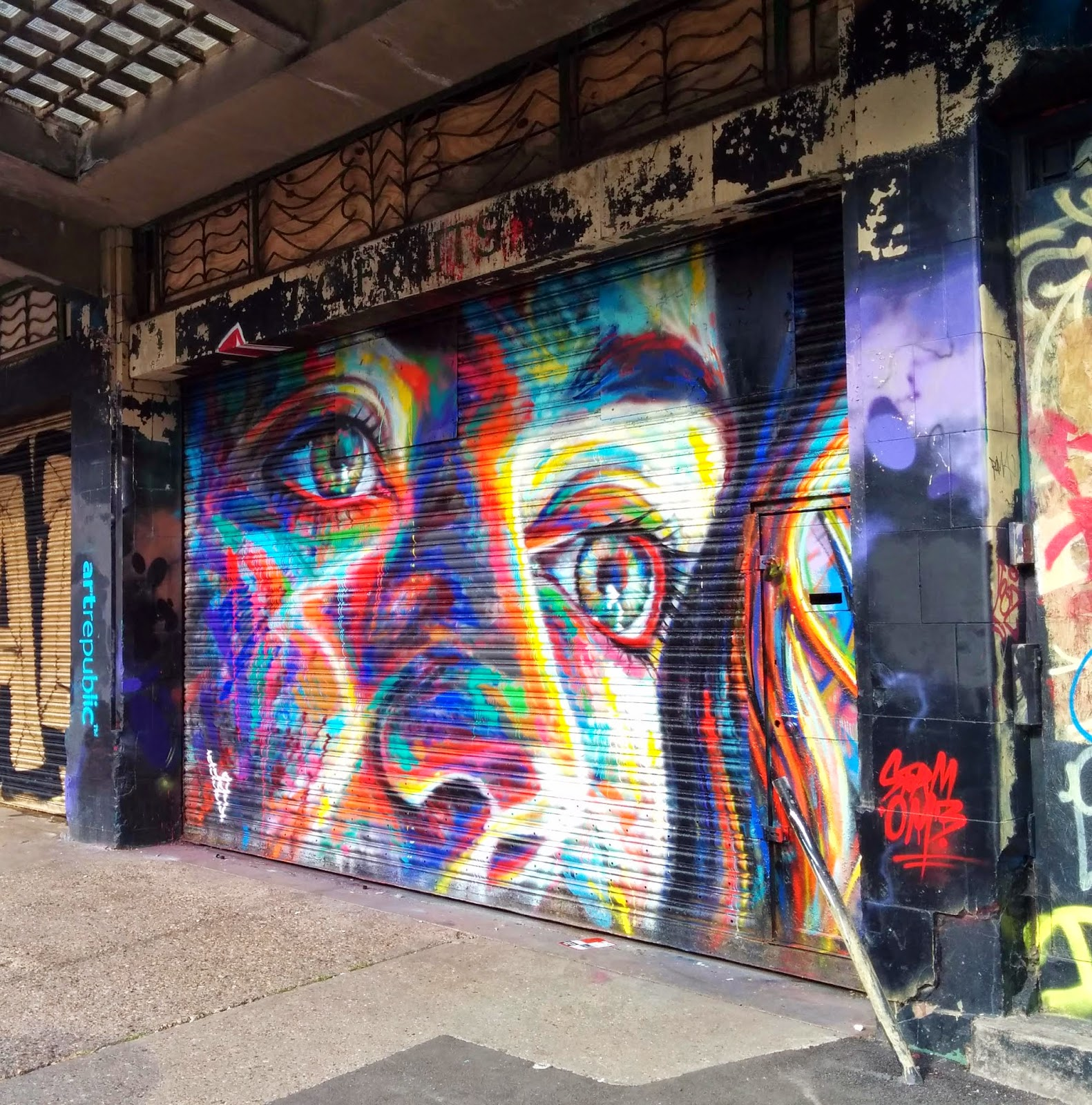 After Shoreditch, London (covered), David Walker stopped by Brighton to paint for the Urban ArtFest 2014 organised by Artrepublic with Brighton Fringe.
