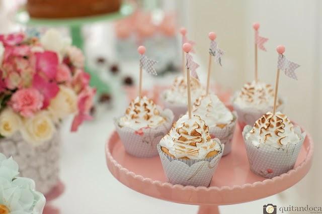 inspiracao-shabby-chic-romantica-delicada-candy-colors-cupcakes-1