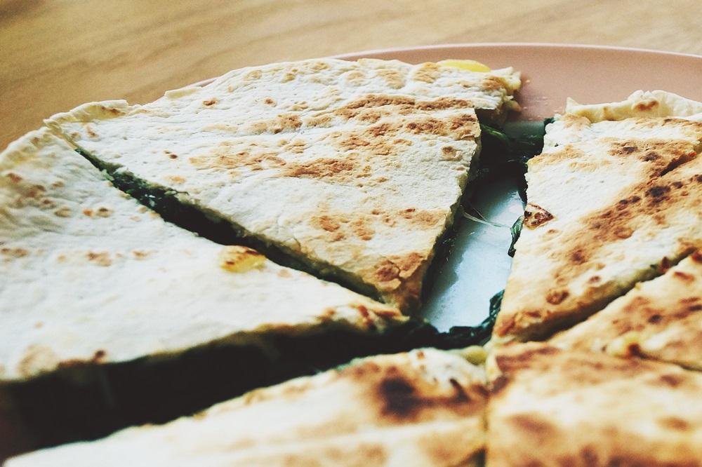 scharfe Quesadilla mit Spinat