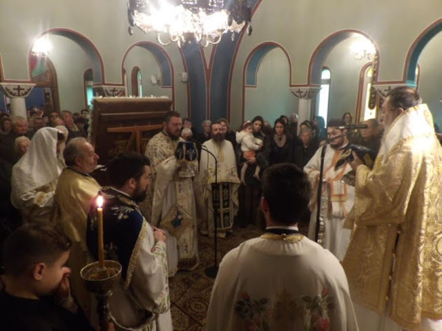 Πανηγυρικός εορτασμός της Παναγίας Παραμυθιάς και χειροτονία διακόνου από τον Σεβ. Μητροπολίτη Κορίνθου (εικόνες)