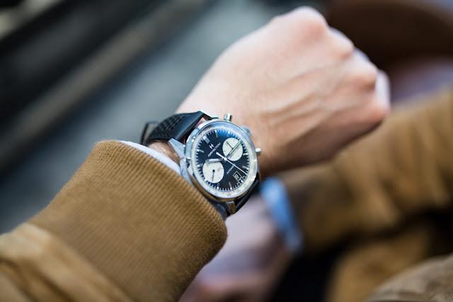 Mẫu đồng hồ Hamilton nữ  thiết kế tròn trịa cho người cá tính.