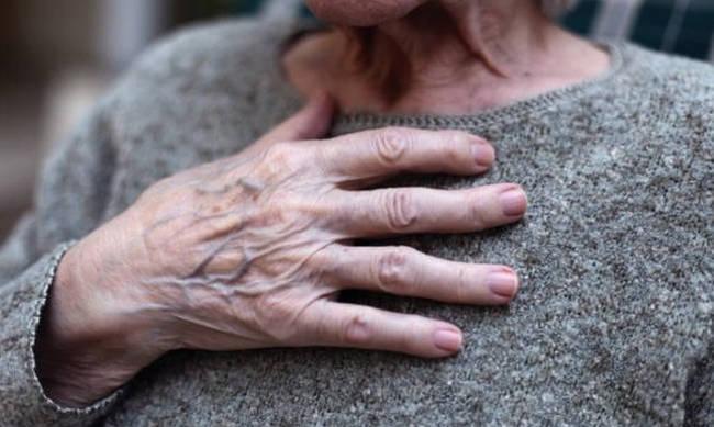 Συγκλονίζει την τοπική κοινωνία της αχαϊκής πρωτεύουσας ο φρικτός θάνατος  μιας 88χρονης γυναίκας μέσα στο ίδιο της το σπίτι. Η άτυχη γυναίκα βρέθηκε  νεκρή ... de7787781fc