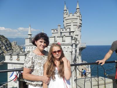 С внучкой Алиной в Крыму