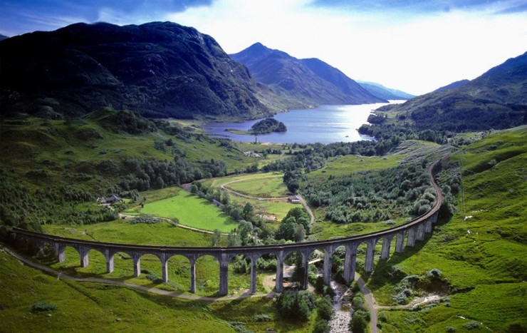 20 Spots In Europe You Must See Before You Die - Glenfinnan Viaduct, Scotland