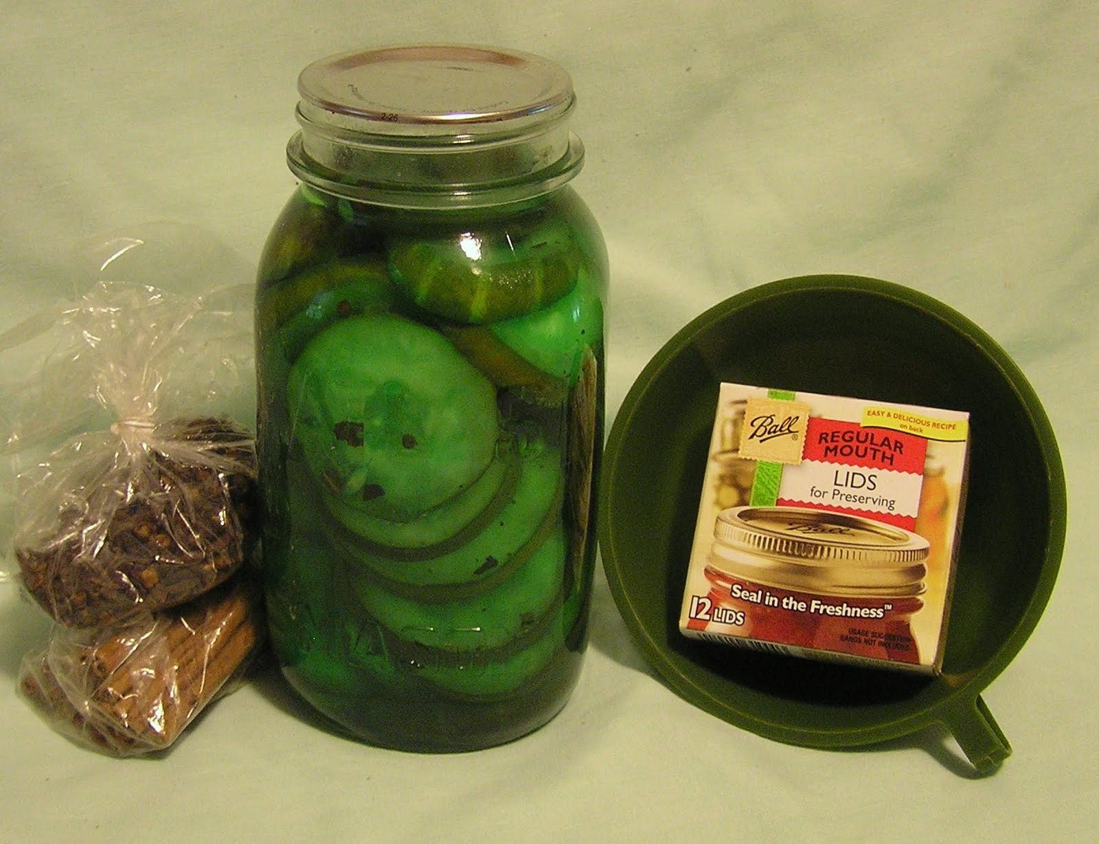 Creative Tennessee Mountain Cookin: Old FAshion Lime Pickles