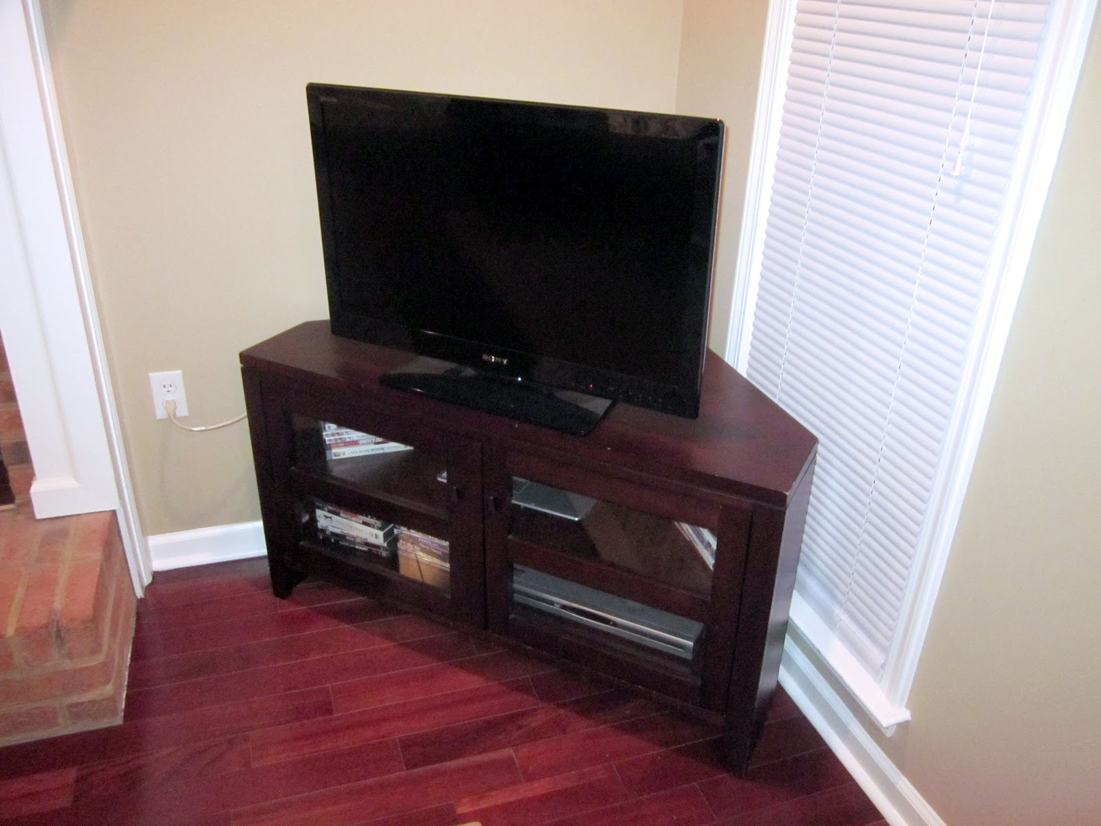 The Murphy S Craigslist Find Crate And Barrel Tv Stand