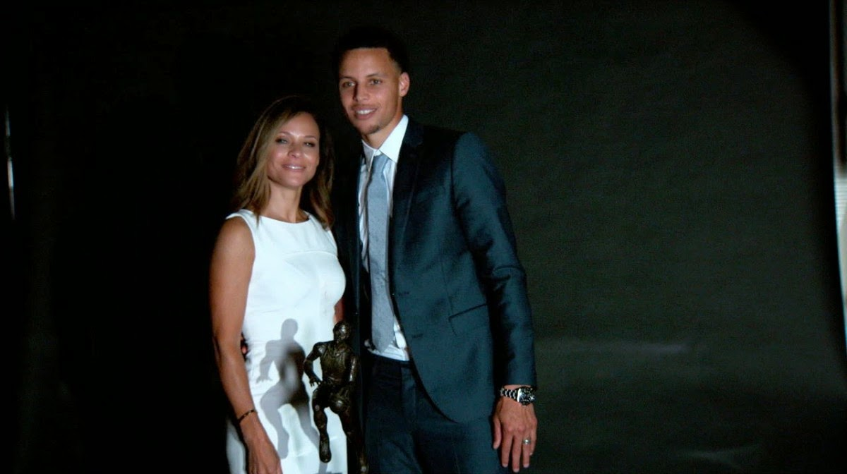c8d54bd67517 Sonya Curry and Stephen Curry image source