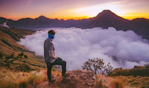 Mitos Gunung Rinjani larangan berkeluh kesah dan memikirkan hal negatif