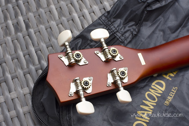 Diamond Head DU-150 Soprano Ukulele tuners