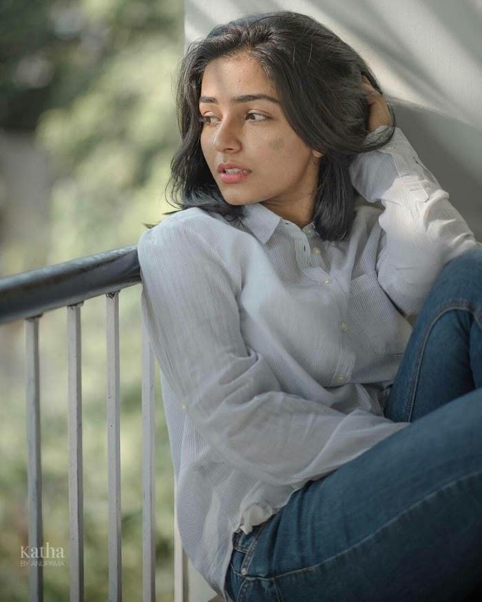Rajisha Vijayan Photos:Malayalam Actress Hot images,Stills
