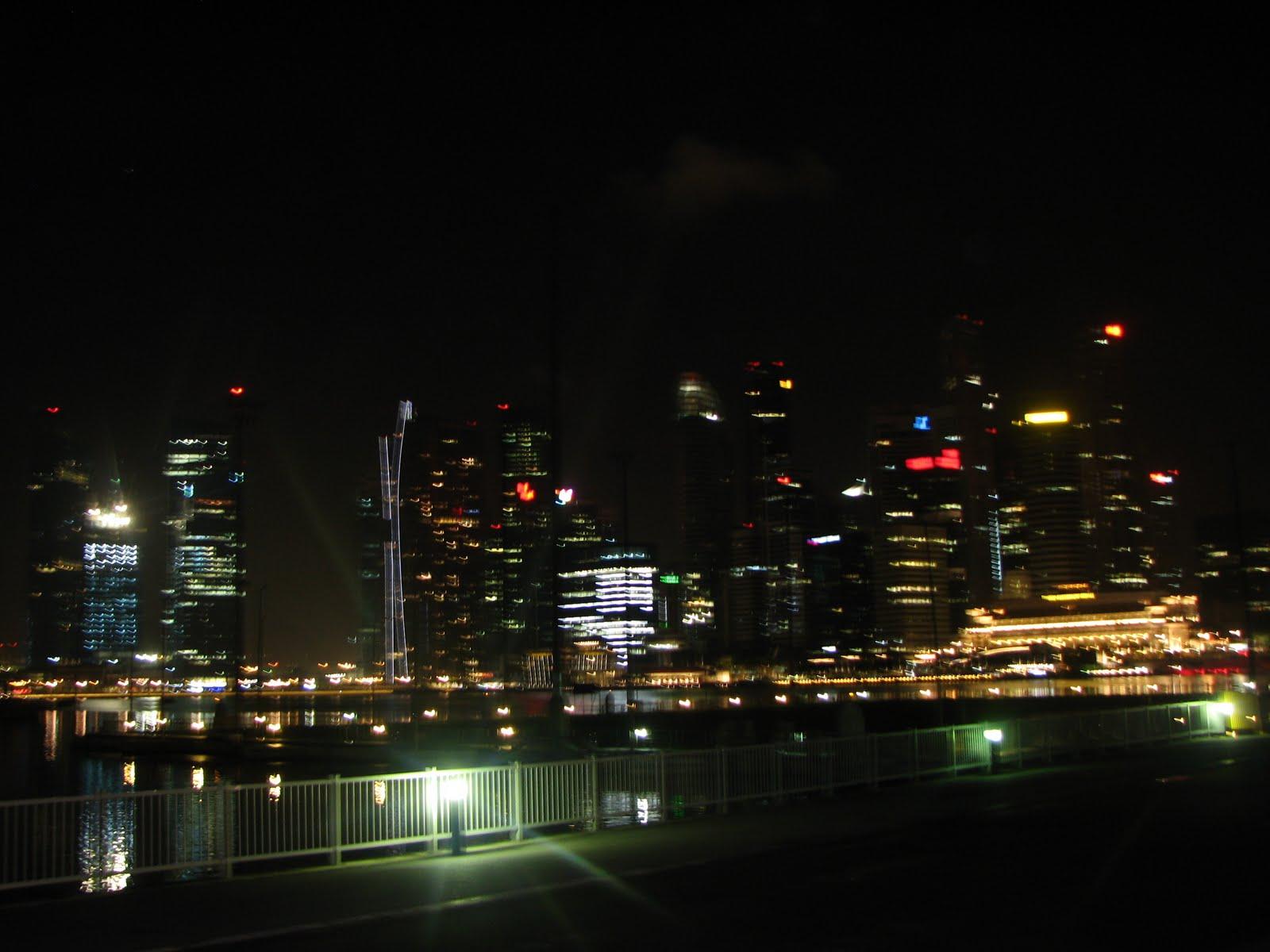 0f1a2054247 Singapur on 710 km2 asuv ligi 5 miljoni elanikuga linn-riik Malaisia  poolsaare lõunatipus ja sinnasaamiseks kulub 7 tundi rongisõitu.