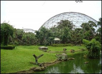"<img src=""taman burung1.jpg"" alt=""green house kubah"">"