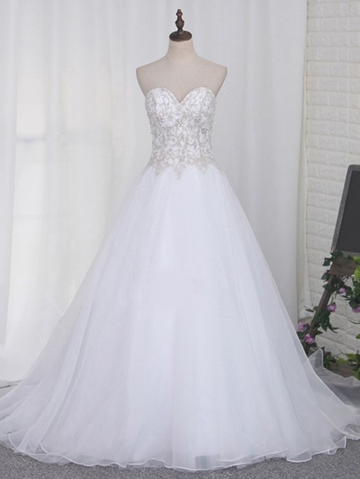 http://uk.millybridal.org/product/organza-tulle-sweetheart-ball-gown-sweep-train-beading-wedding-dresses-ukm00023108-21804.html?utm_source=minipost&utm_medium=2597&utm_campaign=blog