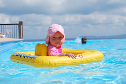 6 Tips Safe Swimming With Your Beloved Baby